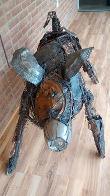 Animal sculpture made of metal